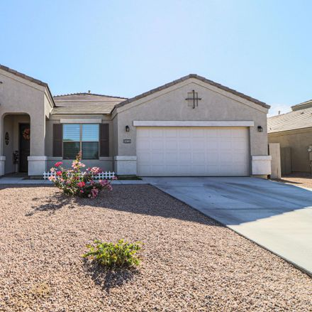 Rent this 3 bed house on Loemann Dr in Magma, AZ