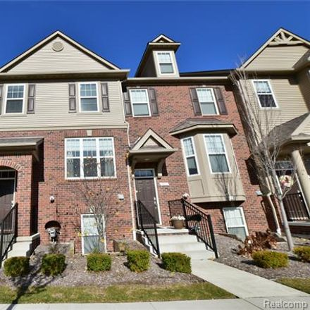 Rent this 3 bed condo on S Rochester Rd in Rochester, MI
