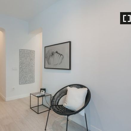 Rent this 1 bed apartment on Calle de Francisco Silvela in 28001 Madrid, Spain