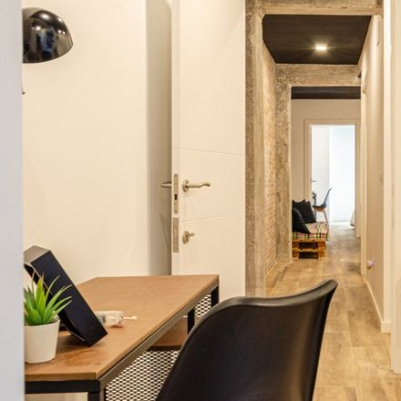 Rent this 5 bed apartment on Carrer de Francesc Baldomà in 50, 46011 Valencia