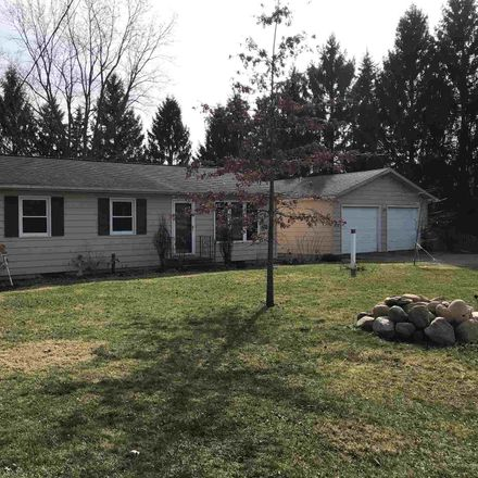 Rent this 3 bed house on E 750 N in Leesburg, IN