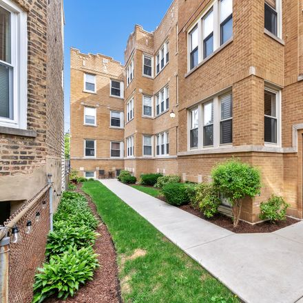 Rent this 2 bed condo on West Addison Street in Chicago, IL 60613