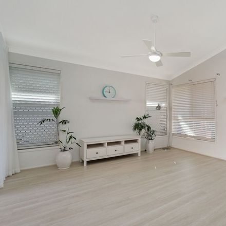 Rent this 3 bed house on 7 Darby Street