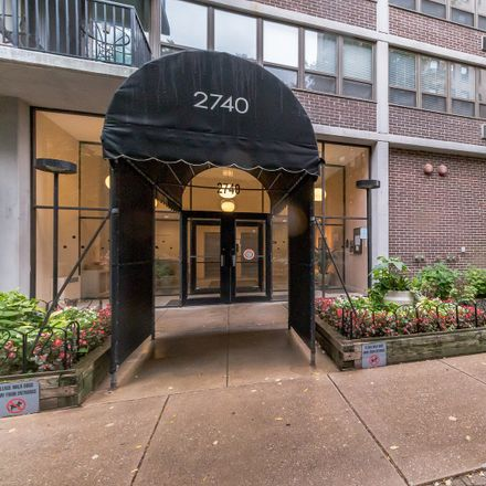 Rent this 2 bed condo on Park View Tower in 2740 North Pine Grove Avenue, Chicago