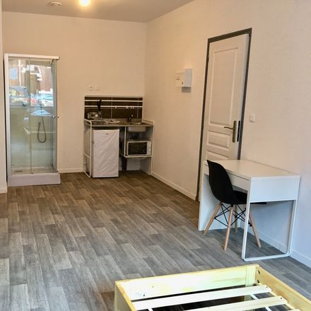 Rent this 6 bed room on 10 Rue Léon Trulin in 59170 Croix, France