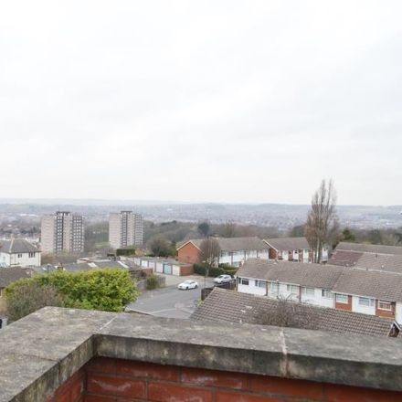Rent this 3 bed apartment on SSK Food & Wine in 521-523 Woodborough Road, Nottingham NG3 5FR
