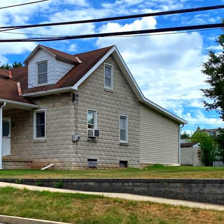 Rent this 3 bed house on 111 Market Street in Lewisberry, PA 17339
