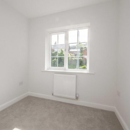 Rent this 3 bed house on St Paul's Church in Chester Road, Helsby WA6 0PQ