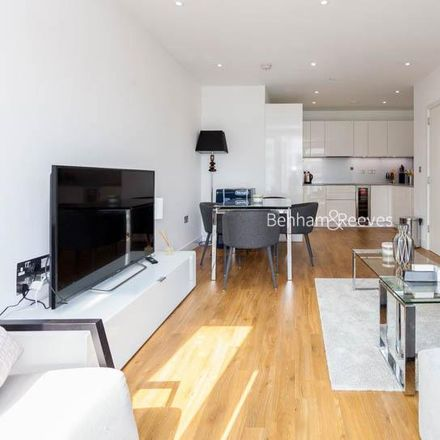 Rent this 2 bed apartment on Watts Apartments in Wandsworth Road, London SW8 2FW