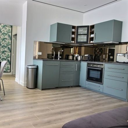 Rent this 4 bed apartment on Paris in Quartier de Grenelle, ÎLE-DE-FRANCE