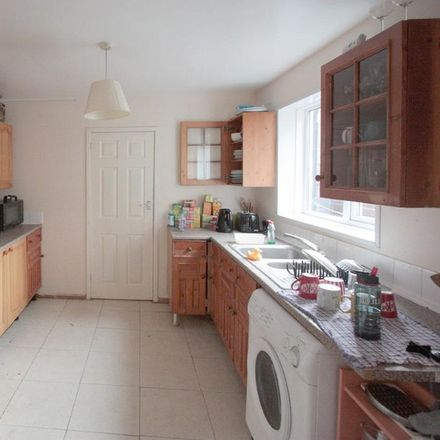 Rent this 6 bed house on Cavendish Place in Newcastle upon Tyne NE2 2NE, United Kingdom