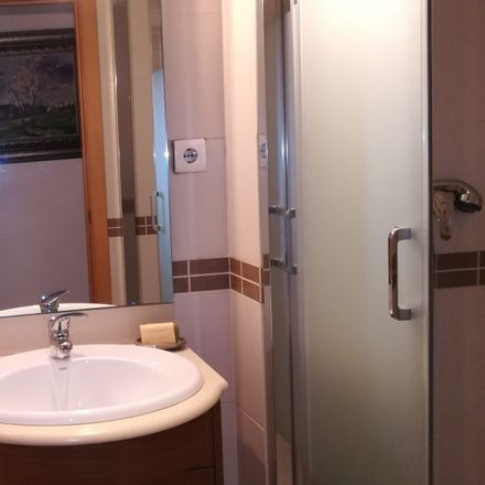 Rent this 5 bed room on Carrer de Latorre in 61, 08203 Sabadell