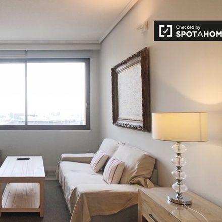 Rent this 1 bed apartment on Foxá 25 in Calle de Agustín de Foxá, 25