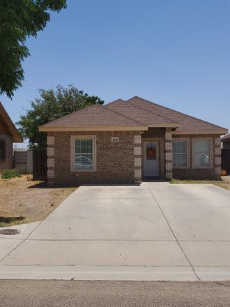 Rent this 3 bed house on 404 North Dallas Street in Midland, TX 79701