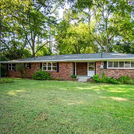 Rent this 3 bed house on 205 East Tuttle Road in White Oak, TX 75693