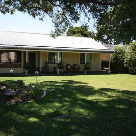 Rent this 3 bed house on 5 McLay Street
