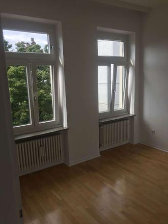Rent this 2 bed apartment on Kreuzbergweg 37 in 53115 Bonn, Germany
