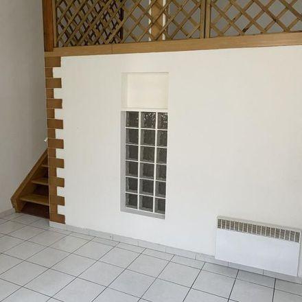 Rent this 2 bed apartment on DFCI-451 in Montée du Pichou, 13016 Marseille