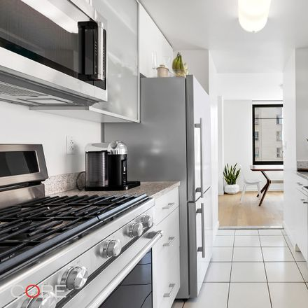 Rent this 1 bed apartment on Blink in 180 West 20th Street, New York