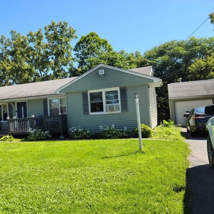 Rent this 3 bed house on Hillcrest Ter in Staatsburg, NY