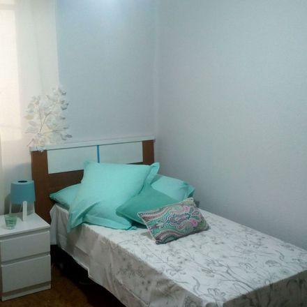 Rent this 5 bed room on Avenida del Padre Isla in 59, 24002 León