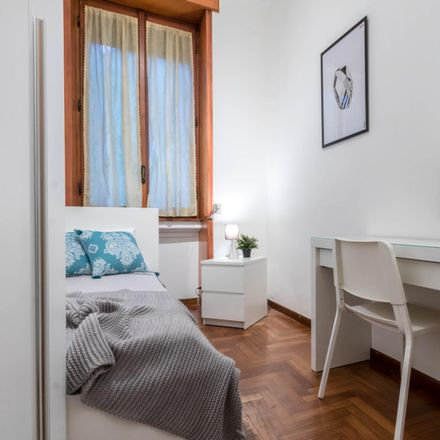 Rent this 4 bed room on Via Enrico Besana in 20135 Milan Milan, Italy