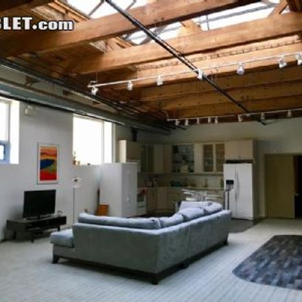 Rent this 5 bed loft on Dan Ryan Expressway in Chicago, IL 60616