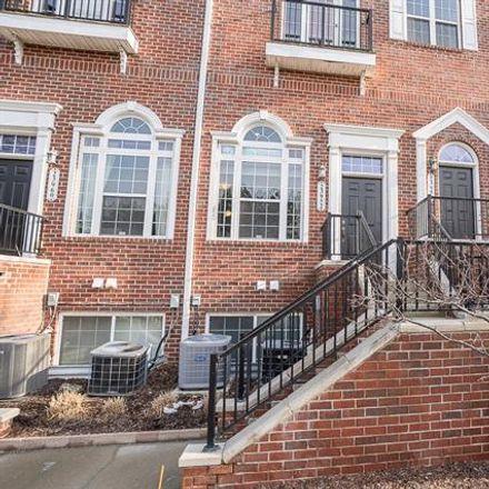 Rent this 2 bed condo on Woodward Avenue in Pleasant Ridge, MI 48069