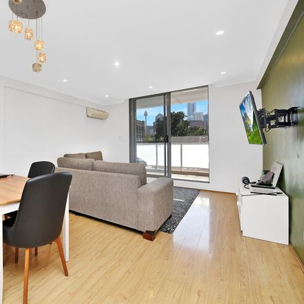 Rent this 2 bed apartment on 54/17-19 MacArthur Street