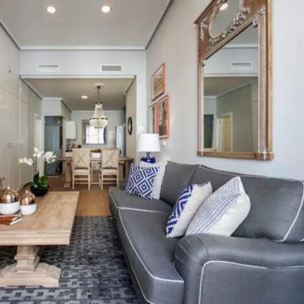 Rent this 3 bed apartment on Presidencia de la Comunidad de Madrid in Calle de la Paz, 7