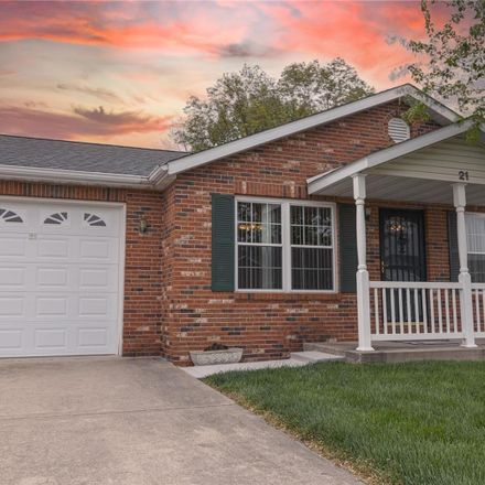 Rent this 2 bed condo on 21 Parkside Drive in Bethalto, IL 62010