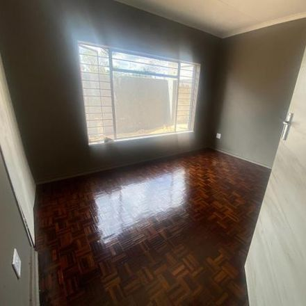 Rent this 3 bed house on Roodepoort in Western Bypass, Bosmont