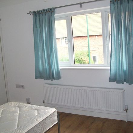 Rent this 3 bed room on 110 Manton Crescent in Wollaton NG9 2GF, United Kingdom