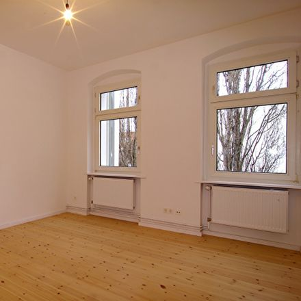 Rent this 1 bed apartment on Goltzstraße 51 in 10781 Berlin, Germany