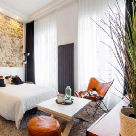 Rent this 2 bed apartment on Les 2 au Coin in Rue de la Lune, 75002 Paris