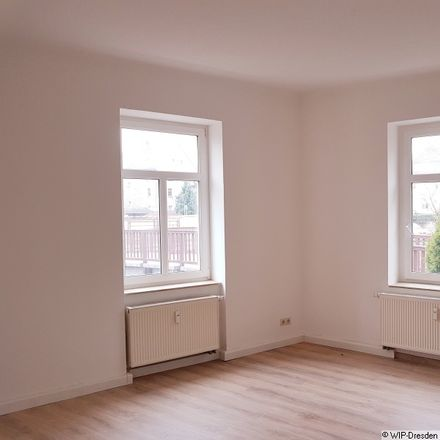 Rent this 3 bed apartment on Fichtestraße 3 in 01705 Freital, Germany