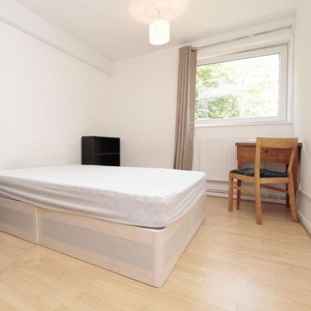 Rent this 4 bed room on Ludham in Lismore Circus, London NW5 4QF