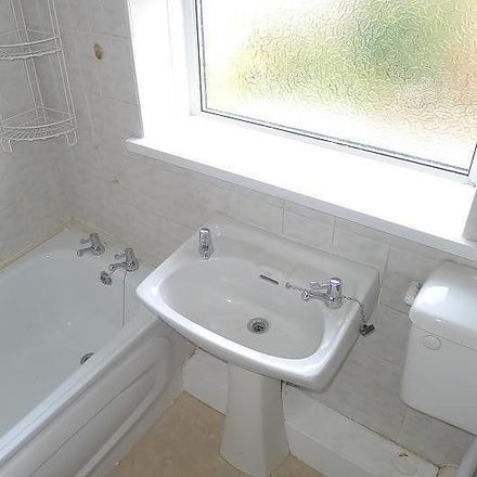 Rent this 3 bed house on West Green in Wolverhampton WV4 4RH, United Kingdom