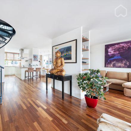 Rent this 1 bed apartment on DAS KINDERZIMMER 2 in Kurfürstenstraße, 80801 Munich