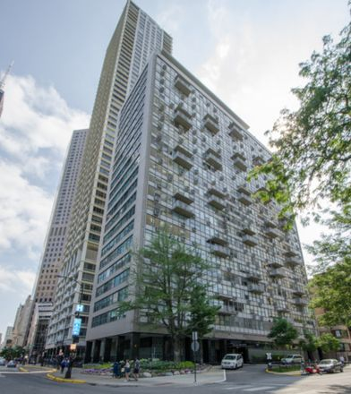 Rent this 1 bed townhouse on 1000 Lake Shore Plaza in 1000 North Lake Shore Drive, Chicago