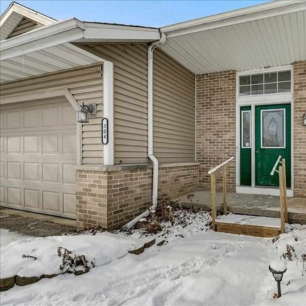 Rent this 3 bed loft on 304 Ridgeview Lane in Columbus, WI 53925
