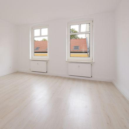 Rent this 3 bed apartment on Neuendorfer Straße 84 in 14770 Brandenburg an der Havel, Germany