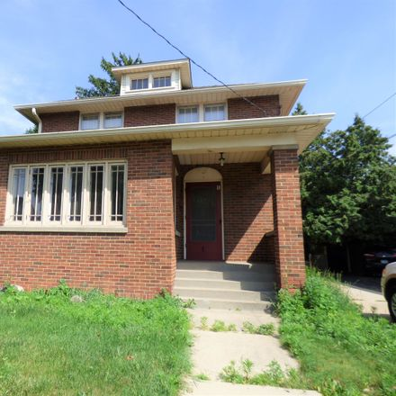 Rent this 3 bed house on 1 McHenry Avenue in Crystal Lake, IL 60014