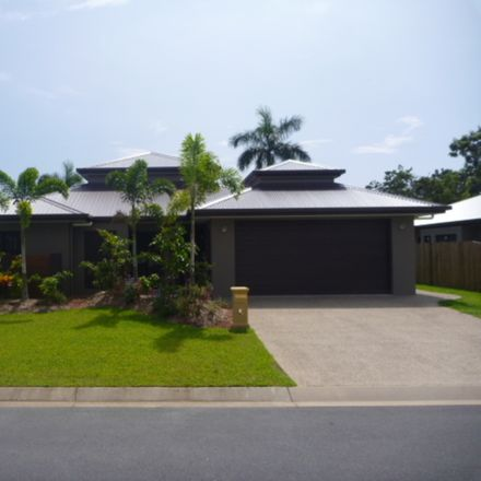 Rent this 4 bed house on Kewarra Beach