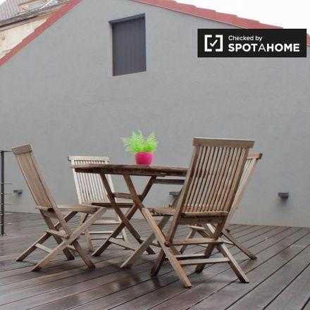 Rent this 1 bed apartment on Rue du Châtelain - Kasteleinsstraat 63 in 1050 Ixelles - Elsene, Belgium