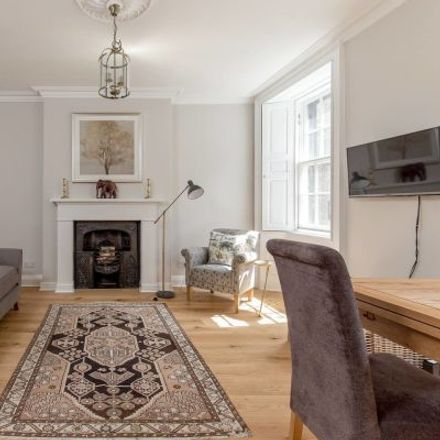 Rent this 3 bed apartment on Thistle Street Bar in 39 Thistle Street, City of Edinburgh EH2 1DY