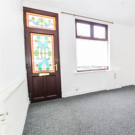 Rent this 3 bed house on Templar Terrace in Newcastle-under-Lyme ST5 8PN, United Kingdom