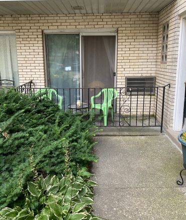 Rent this 2 bed condo on 810 Dobson Street in Evanston, IL 60202