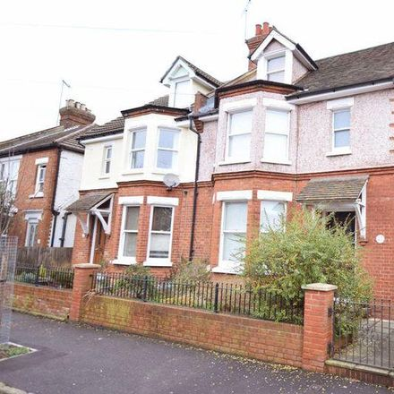 Rent this 3 bed house on Pine Grove in Penenden Heath, ME14 2AJ