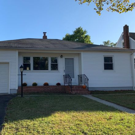 Rent this 2 bed house on 13 Dunlap Ave in Pennsville, NJ